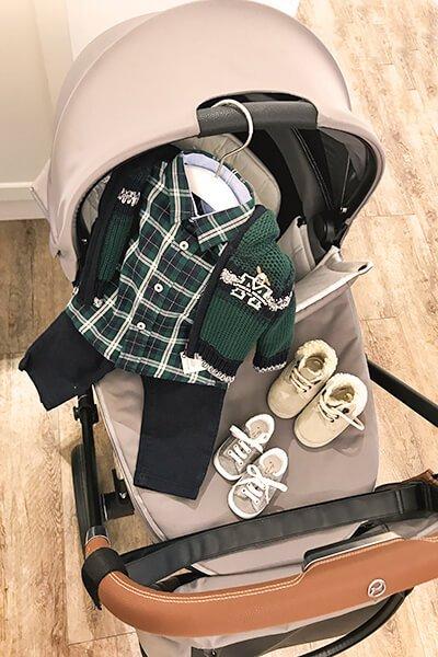 Kinderwagen und perfektes Outfit
